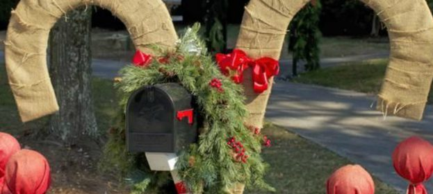 Christmas Mailbox Decorations