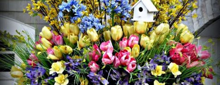 Easter Decorations to Add to Your Front Door or Porch Area