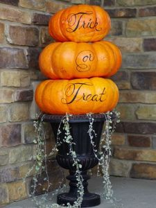 Trick-or-treat Pumpkin Topiary
