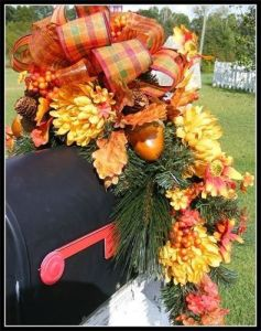 autumn mailbox decor