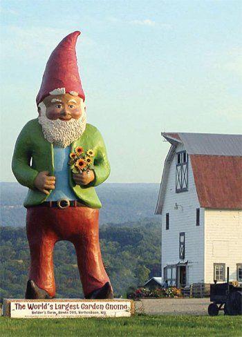 worlds largest garden gnome