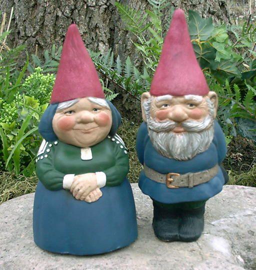 couple garden gnomes