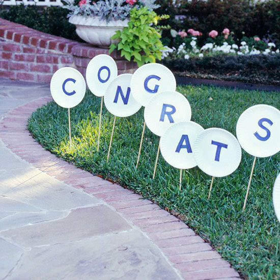 graduation party decorations using paper plates