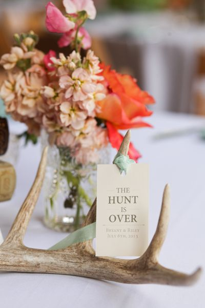 Antlers - rustic wedding idea