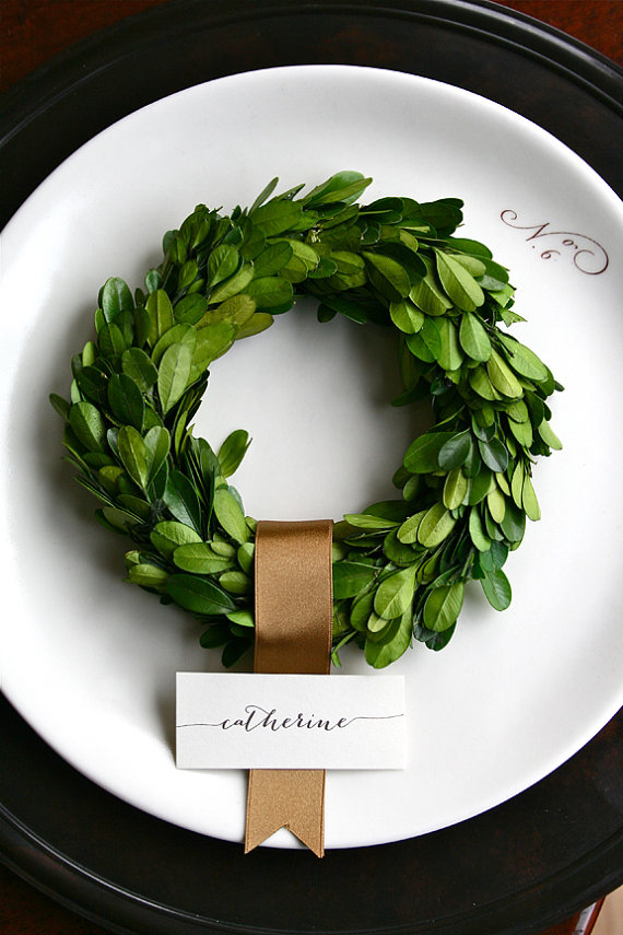 small boxwood wreath used with place cards