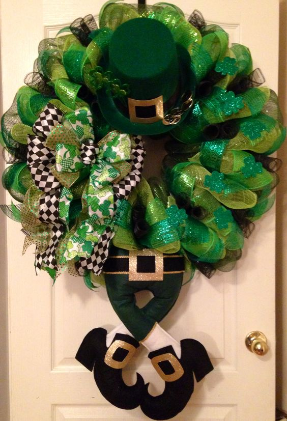 Leprechaun wreath St. Patrick's Day decorations