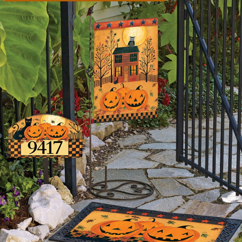 Halloween Glow decorative garden flags and doormat